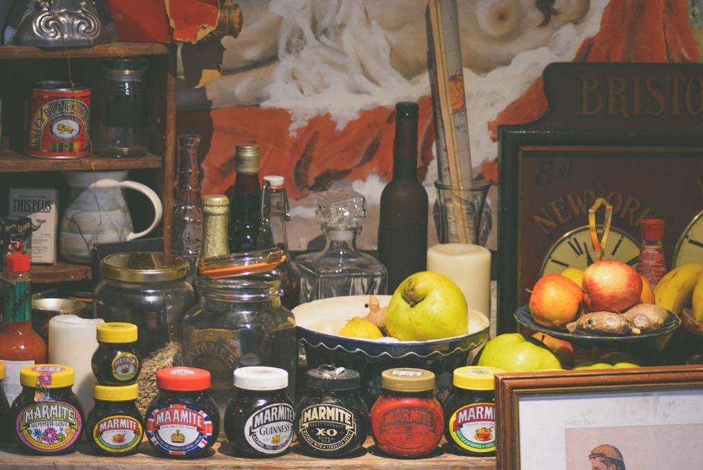 Visão geral dos objetos e alimentos da cozinha