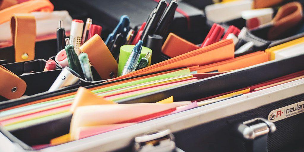 Material em excesso na secretária